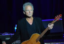 Lindsey Buckingham Brings the Big Love With Him