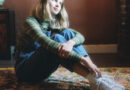 """Claire Rosinkranz Releases Acoustic Performance Video For """"Hotel"""""""