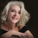 """Jennifer Saran Pays Tribute to Her Mother in the Poignant Ballad """"Almost 5 O'Clock"""""""
